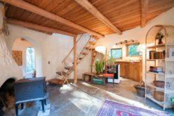 poêle - Cob cottage par Cobworks - Canada