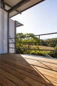 Balcon bois - Franceschi-Container par DAO, Re Arquitectura - Santa Ana, Costa Rica © Adam Baker