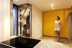 Cuisine - Franceschi-Container par DAO, Re Arquitectura - Santa Ana, Costa Rica © Adam Baker