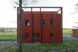 Façade principale couleur falu-red- House-Drummer par Bornstein Lyckefors - Karna, Suede © Mikael Olsson