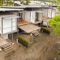 Une- Franceschi-Container par DAO, Re Arquitectura - Santa Ana, Costa Rica © Adam Baker