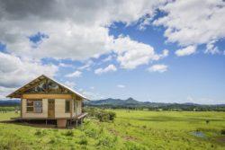 Façade principale et vue panoramique - Skyfarm par Michael-Leung - Australie © Living Big in a Tiny House.com