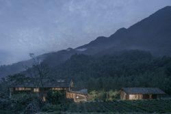 Maison principale et maison d'hôtes - Springstream-House par WEI architects - Fuding, Chine © Weiqi Jin