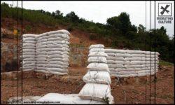 Sacs de sable structure eartbag - chalet-eartbag - Ghana © migratingculture
