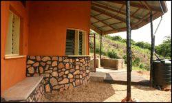 Terrasse - chalet-eartbag - Ghana © migratingculture
