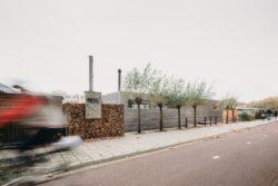 Zone piétonne à l'arrière - Haarlem-Shuffle par vanOmmeren-architecten - Haarlem, Pays-Bas © Eva Bloem