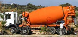Camion mélangeur de ciment