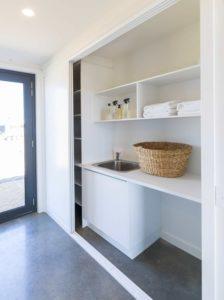 Armoire rangement salle de bains - Core 9 par Beaumont Concepts - Cape Paterson, Australie © Warren Reed