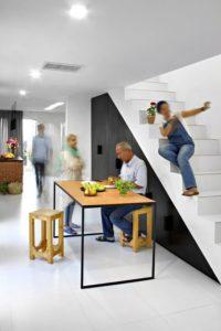 Escalier accès second étage - Through Gardens House par BAM Architects - Parvaneh, Iran