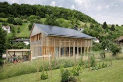 Façade bois - House-C par HHF - Ziefen, Suisse © Tom Bisig