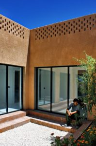 Grandes portes vitrées - Through Gardens House par BAM Architects - Parvaneh, Iran