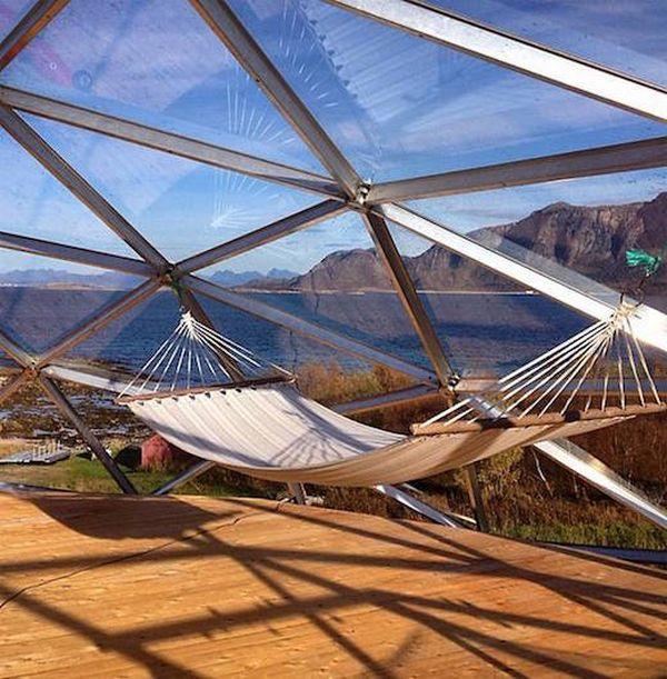 Panneaux de verres et couchette Nature-House par Solardome - Sandhornoya, Norvege