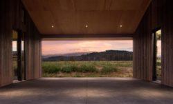 Abri pour auto - Trout-Lake-House par Olson Kundig - Washington, USA © Jeremy Bittermann