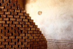 Briques d'adobe - Workshop-Italy par Building-Trust - Todi, Italie © Elettra Melani