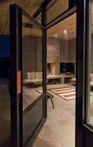 Entrée salon - Casa-Caldera par DUST - Texas, USA © Cade Hayes