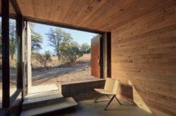 Façade entrée entièrement ouverte - Casa-Caldera par DUST - Texas, USA © Cade Hayes