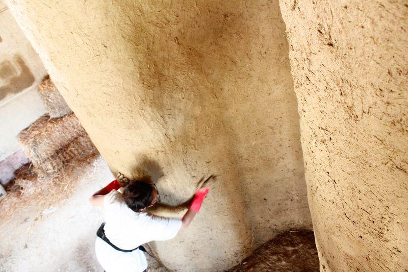 Façade mur terre battue - Workshop-Italy par Building-Trust - Todi, Italie © Elettra Melani