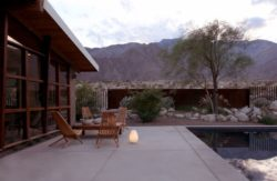 Façade terrasse salon design - Chino-Canyon-House par Hundred Mile House, Palm Springs - USA © Lance Gerber