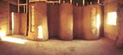 Murs en terre, paille et argile - Workshop-Italy par Building-Trust - Todi, Italie © Elettra Melani