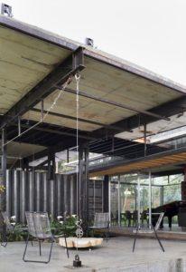 Salon terrasse design - container-house par Daniel Moreno Flores - Guayaquil, Equateur © Federico Cairoli