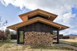 Stockage bois récupéré pour chauffage - Trout-Lake-House par Olson Kundig - Washington, USA © Jeremy Bittermann