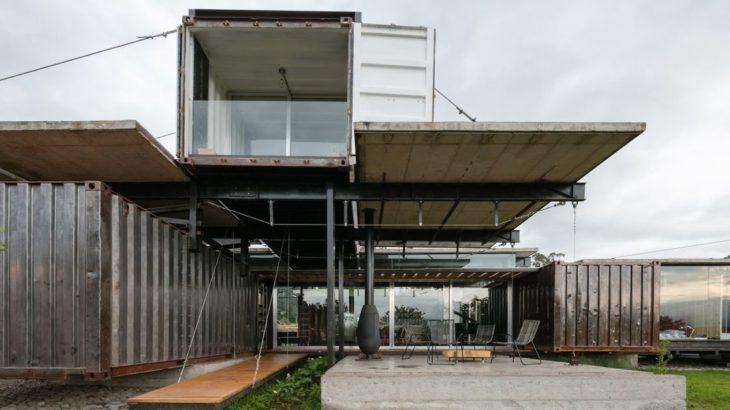 Une - container-house par Daniel Moreno Flores - Guayaquil, Equateur © Federico Cairoli
