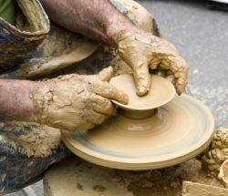 Même le travail des artisans est régie par une norme