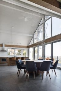 Cuisine et séjour - High-Altitude-Style par Jane Hope - Saint-Sauveur, Canada © Adrien Williams