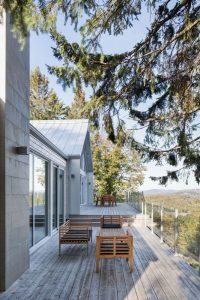 Terrasse salon design - High-Altitude-Style par Jane Hope - Saint-Sauveur, Canada © Adrien Williams