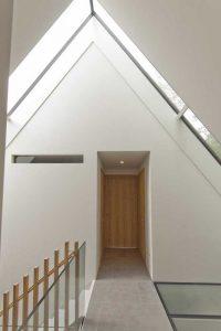Balustrade en verre escalier et couloir étage - House-Fairy-Tale par Tijmen-Versluis - Voorschoten, Pays-Bas