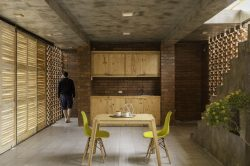 Cuisine et salle séjour - Stilts-House par Natura-Futura-Arquitectura - Equateur, Villamil © Maderas Pedro