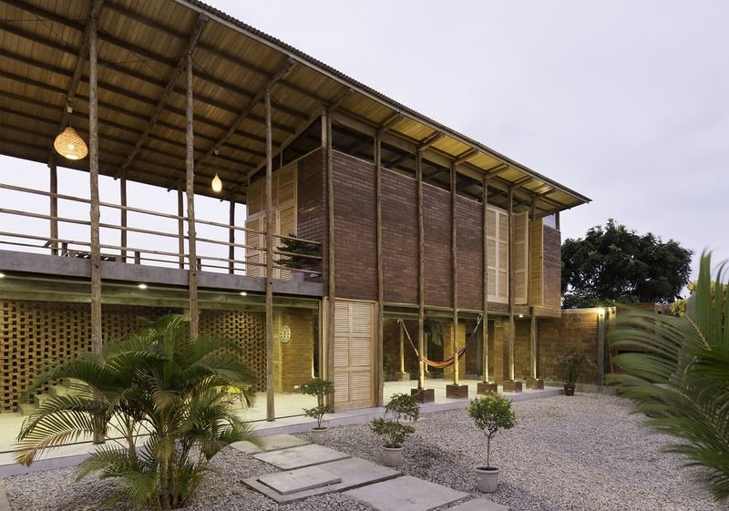 Façade jardin - Stilts-House par Natura-Futura-Arquitectura - Equateur, Villamil © Maderas Pedro