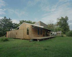 Façade principale - Homes-Rural-America par Rural-Studio - Alabama, USA © Timothy Hursley