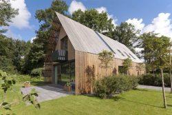 Façade principale et jardin - House-Fairy-Tale par Tijmen-Versluis - Voorschoten, Pays-Bas