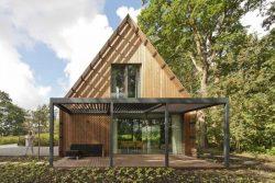 Façade terrasse et jardin - House-Fairy-Tale par Tijmen-Versluis - Voorschoten, Pays-Bas