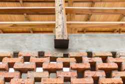 Mini ouvertures en briques cuites - Stilts-House par Natura-Futura-Arquitectura - Equateur, Villamil © Maderas Pedro