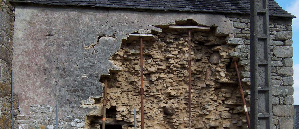 Mur-ayant-subi-des-degats