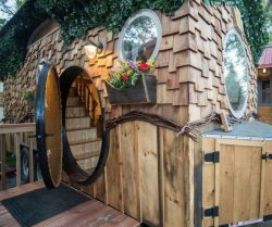 Porte ronde entrée Hobbit - Hobbit-Tiny-House - Colorado, USA © Weecasa