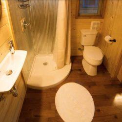 Salle de bains - Hobbit-Tiny-House - Colorado, USA © Weecasa