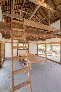 Travaux entretien charpente - Deguchishoten par kurosawa kawara-ten - Ohara Isumi Chiba, Japon © Ryosuke Sato