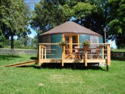 construction-habitat-traditionnel-yourte