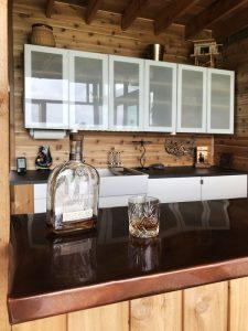 Comptoir Kitchenette en cuivre - Glass-Cabin par atelierRISTING - Fairbank, USA © Steven