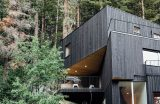 Façade bois noircie - Treehaus par Park-City-Design-Build - Utah, USA © Kerri Fukui