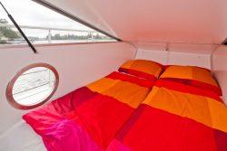 Hublot zone couchette - Houseboat par Nautilus - Berlin, Allemagne © Nautilus