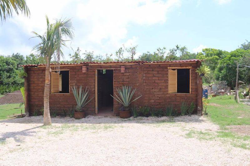 Façade principale - House-Seaweed par Vazquez Sanchez - Puerto Morelos, Mexique © Pilar Rodriguez Rascon