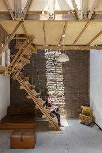 Escalier accès chambres - House-Flying-Beds par Al Borde - Equateur © JAG Studio
