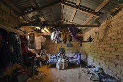 Intérieure maison traditionnelle en terre © Onnis Luque