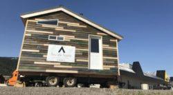 Tiny House Blue - façade bois