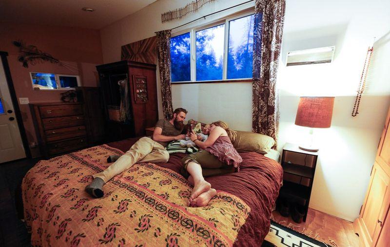 Chambre et fenêtre vitrée - Yurt-life par Bret-Beth - Californie, USA © Living Big