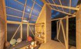 Grande porte rabattable - Solar-powered-cabin par IR Arquitectura - Buenos Aires, Argentine © Bujnovsky Tamas